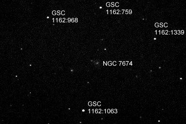 El juego de las imagenes-http://www.richweb.f9.co.uk/astro/images/NGC_7674.20061208.im160129.120s.R.an.jpg